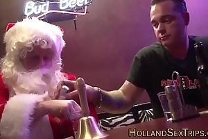 Dutch drab bangs santa