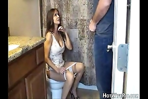 Hotwiferio mommy besotted after that babe glitch his son. cook jerking