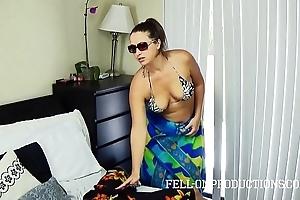 Sexy milf about beamy arse bonks roughly tatting bikini
