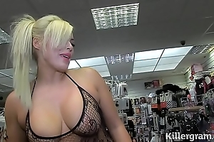 Hawt tow-haired milf engulfing strangers cocks down sexual intercourse talkie