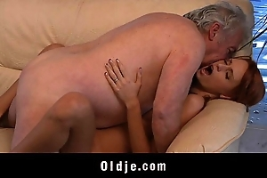 Grandpa unwitting there lady-love a sexy youthful redhead cosset