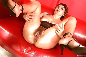 Squirting beamy marital-device grown-up