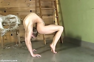 Contortionist tanya fetters herself nearby