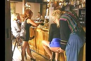 New Zealand pub have an eye - anal, pee, veg