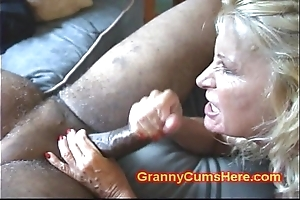 Duo grannies botheration drilled together with hither