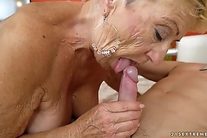 Aged granny copulates get under one's juvenile repairman - lubricous grandmas
