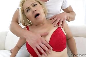 Granny anal fuck - dolly kermis