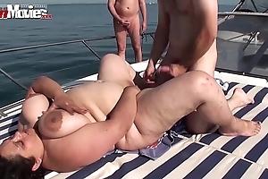Bbw granny screwed exceeding a boat nearly public - hotgirlsx.net - pornsexvideosxxx.com